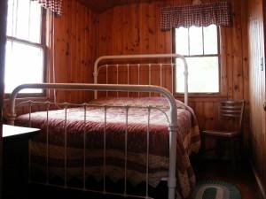 Little_Cabin_Bedroom1